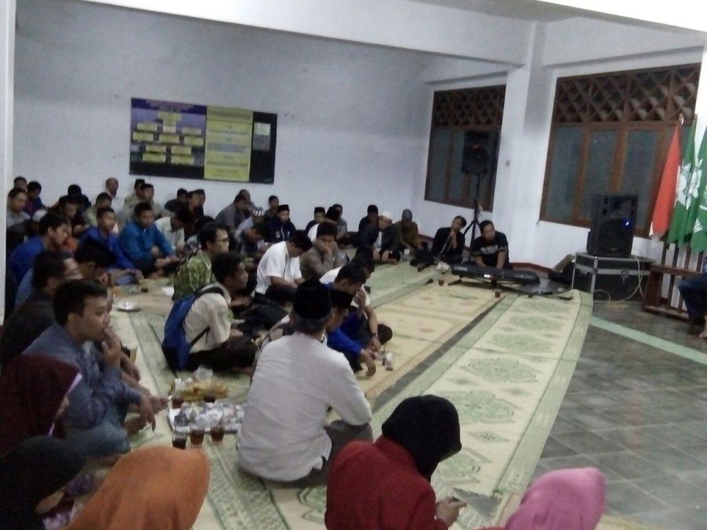 AMM dan Warga Muhammadiyah Tetap Antusias mengikuti Angkringan Syair dan Syiar Dakwah
