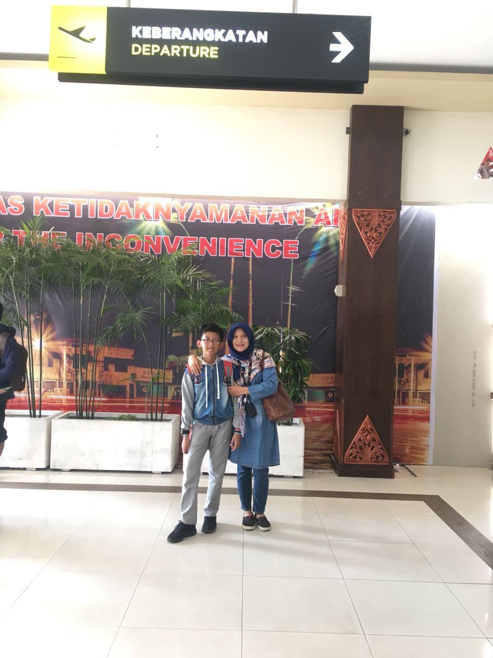 Athaillah Akmalu Ramadhan bersama Ibu Cutri Kuswinarsih