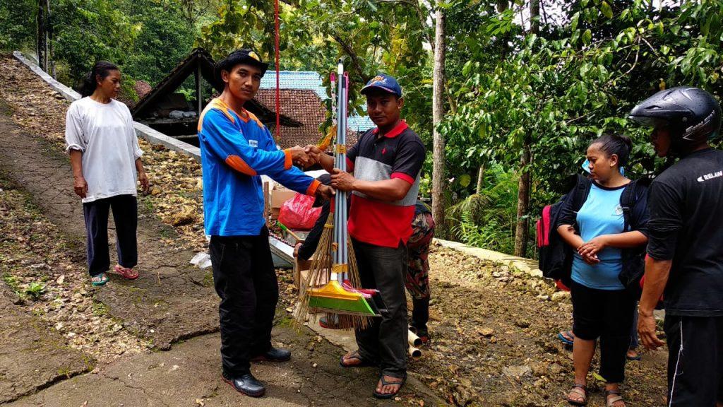 Penyerahan Bantuan Bencana di Purwosari dari MDMC Gunungkidul