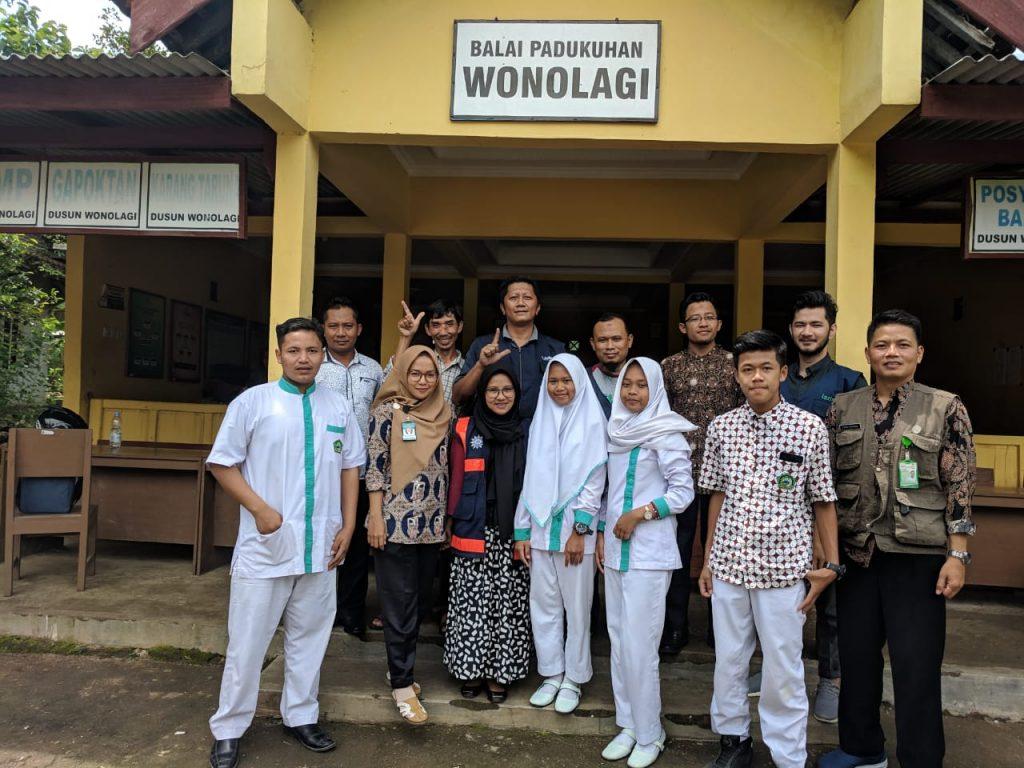 Tim Tenaga Kesehatan PKU Muhammadiyah Wonosari dan MDMC Gunungkidul di Purwosari