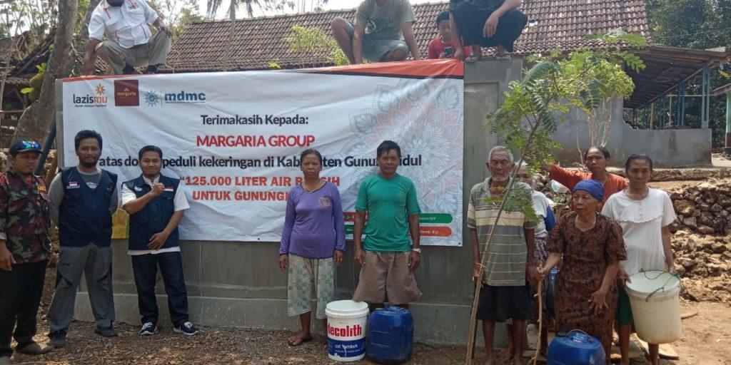 MARGARIA Group, LazisMU dan MDMC Gunungkidul memberikan bantuan bantuan 125rb Air Bersih