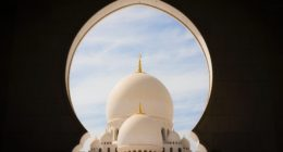 photo of sheikh zayed grand mosque center during daytime